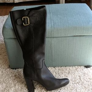 Beautiful pebbled leather Franko Sarto boots